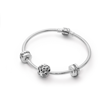Pandora Moments Family Tree Bracelet Gift Set