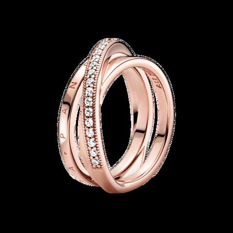 Bague à trois anneaux entrecroisés à pavé