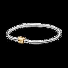 Bracelet à fermoir en deux tons à barillet et à chaîne serpentine PandoraMoments