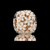 Champ de charmantes marguerites, Rose, émail blanc
