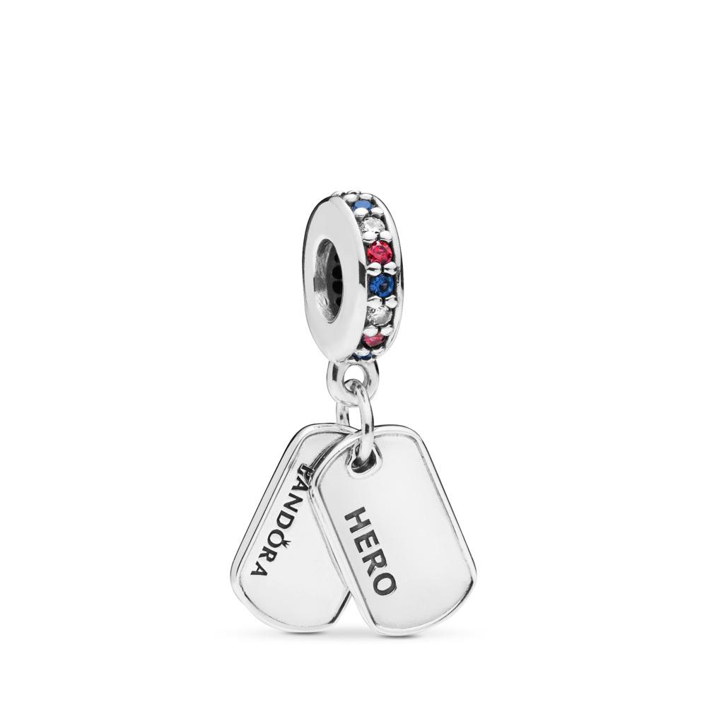 Charm pendentif Plaque d'identité «Hero», cz multicolores et cristaux bleus, Argent sterling, Aucun autre matériel, Bleu, Pierres mélangées - PANDORA - #797659CZRMX