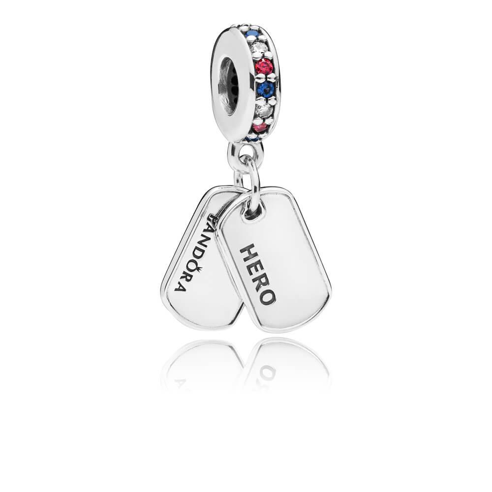 Charm pendentif Plaque d'identité «Hero», cz multicolores et cristaux bleus