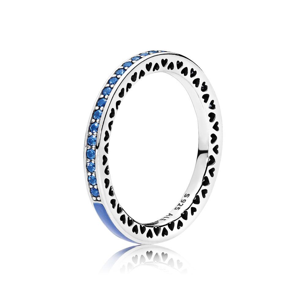 Cœurs radieux de PANDORA, émail bleu princesse et cristaux bleu royal