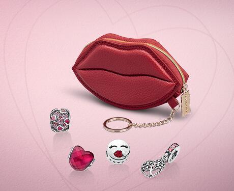 'Kiss Me' Keychain Pouch